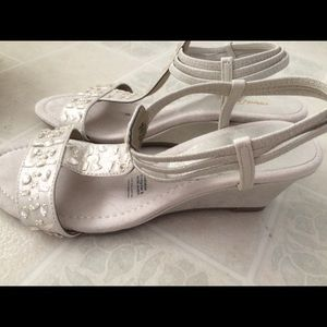 East 5th Wedge Sandal Women's Size 7.5MChampagne